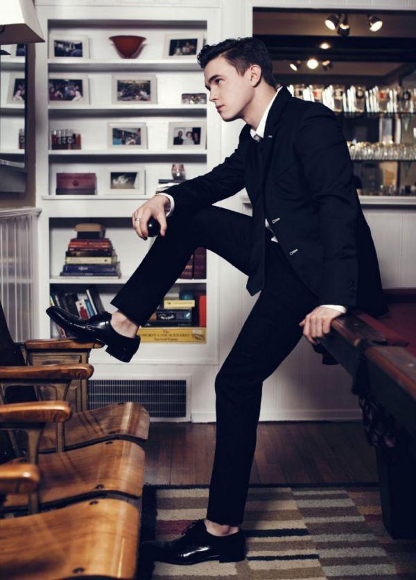 barefoot style, Jesse McCartney, sockless feet, suit, без носков, босиком, Джесси МакКартни,  на босу ногу