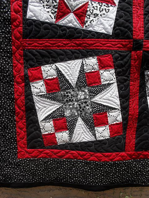 Gray White Quilt : Black white red gray quilts and