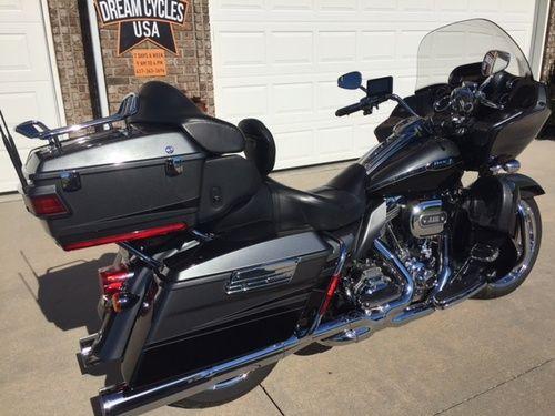 2011 Harley Davidson CVO Road Glide Ultra for sale FLTRUSE, Price:$21,000. Marshfield, Missouri #harleydavidsons #harleys #motorcycles #hd4sale
