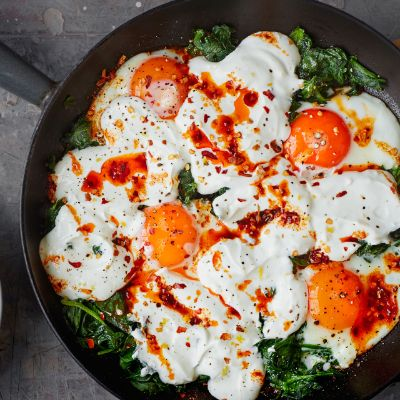 Turkish eggs with spinach and yogurt