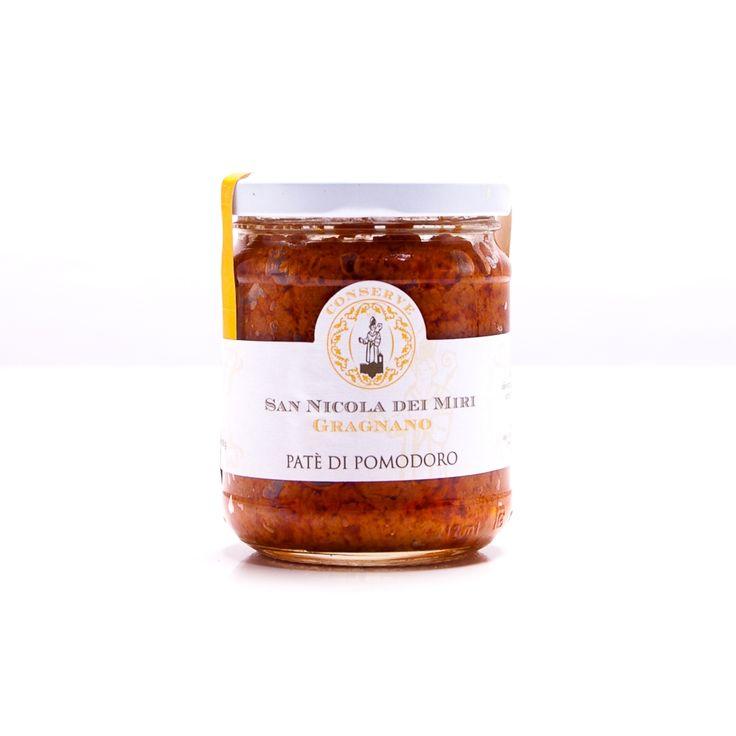 ll pomodoro di San Marzano dell'agro sarnese-nocerino è una varietà di pomodoro riconosciuta come Denominazione di origine protetta. Ha una forma allungata ed è particolarmente adatto per preparare pelati e conserve. Il paté di San Nicola dei Mari è un impasto gustoso arricchitto dal Provolone del Monaco D.O.P e leggermente piccante, un composto di pasta ottimo da spalmare su pane e tartine.