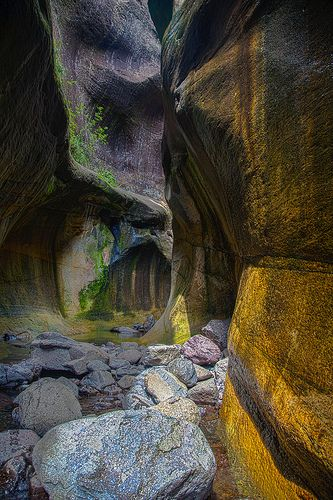 Tugela Gorge, Drakensberg http://www.n3gateway.com/the-n3-gateway-route/ezemvelo-kzn-wildlife-royal-natal-national-park.htm