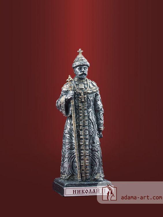 Св. Николай II (055t) Чернёное олово Высота статуэтки: 83 мм Скульптор: Андрей Сычев