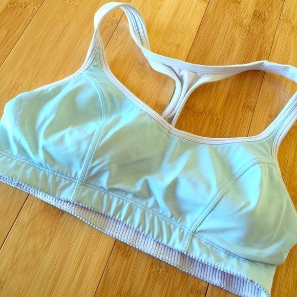 Champion Sports Bra with Padding Good condition, light padding, good support Nike Intimates & Sleepwear Bras