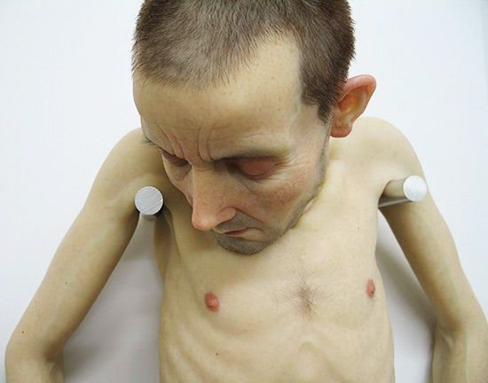 The Ultra realistic sculptures of Sam Jinks