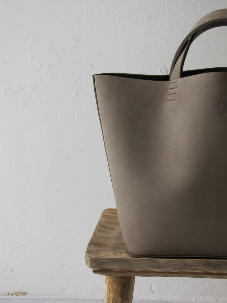 Petite Maison Christiane | The Basket bag, full grain leather and linen, one of a kind piece, made entirely by hand (hand cut & stitched | color Dirty sand