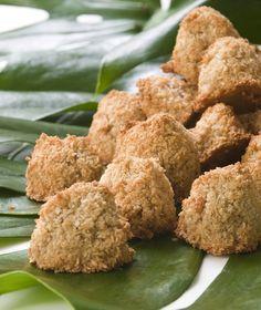 ...δηλαδή φιλάκια καρύδας. Είναι μικρά μαλακά μπισκότα από ινδοκάρυδο, σπεσιαλιτέ του Πουέρτο Ρίκο και των νησιών της Καραϊβικής.