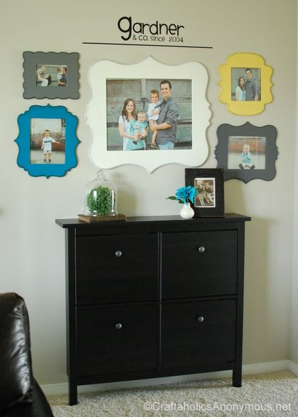 Love this family picture wall from @Linda Gardner!