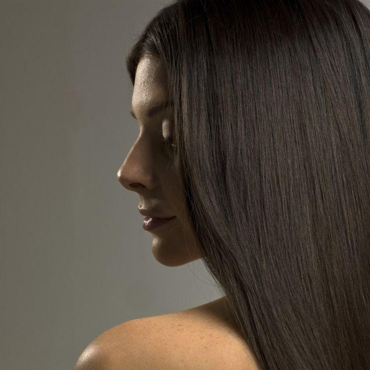 Méthode révolutionnaire, le lissage brésilien est bien plus qu'un simple défrisage. Parfaite pour les cheveux bouclés, crêpus...