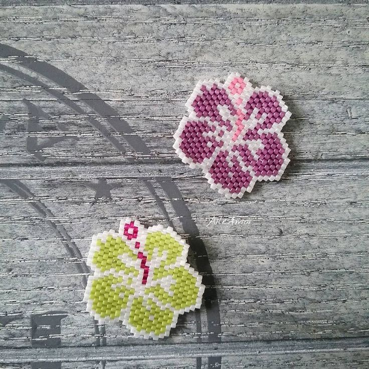 La folie des fleurs! #ailesetmoi #tissage #miyuki #miyukiaddict #brickstitch…
