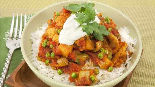 Chicken Cauliflower Curry - Recipes - Best Recipes Ever - Apples add sweetness to this quick and colourful stir-fry....