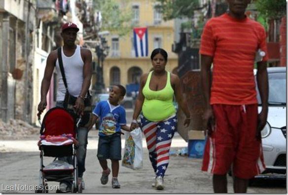 Las banderas de EE.UU. están de moda en Cuba - http://www.leanoticias.com/2015/05/21/las-banderas-de-ee-uu-estan-de-moda-en-cuba/