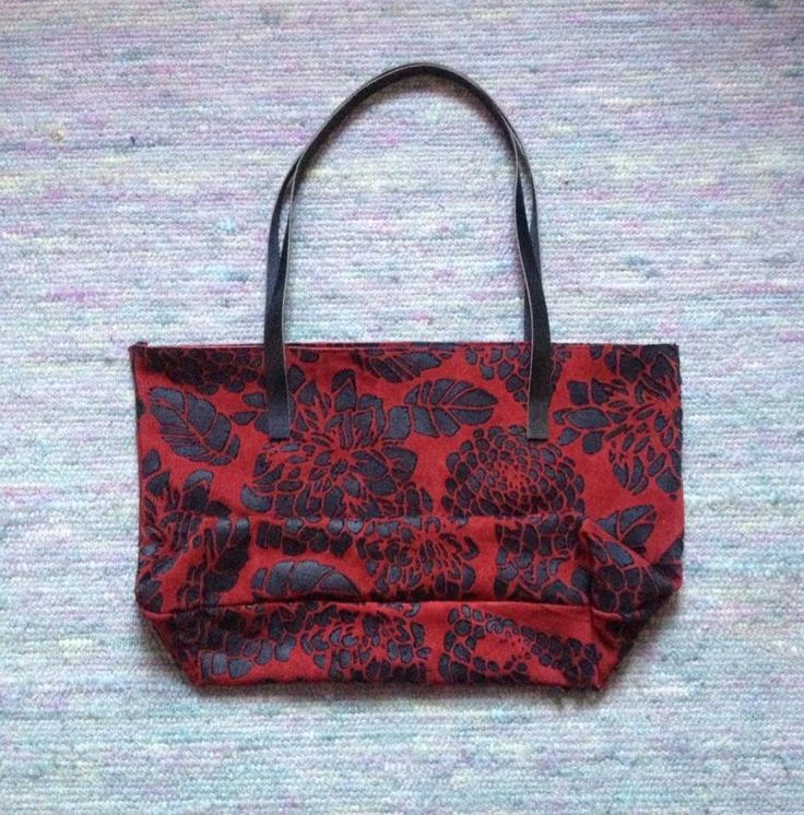Huge flowery patterned leather shopper with zipper by IHAY
