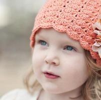 Little Sister Hat - via @Craftsy