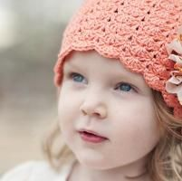 Little Sister Hat - via @Craftsy