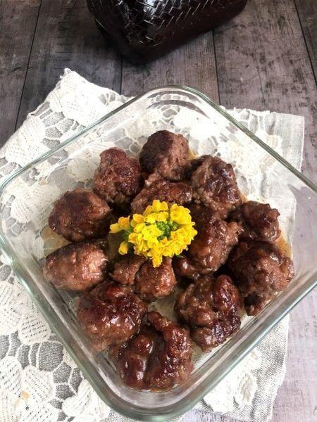 牛こま切れ肉を使ってよく揉みこんでから丸めて作る肉団子風です。しっかり味をつけてお弁当や作り置きにぴったりです。