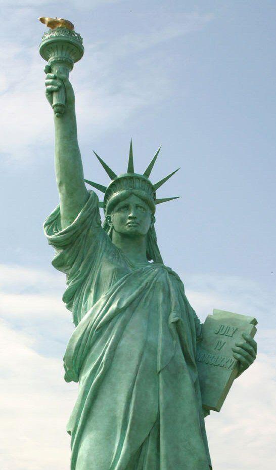 Les 25 meilleures id es concernant statue de la libert for Createur statue de la liberte