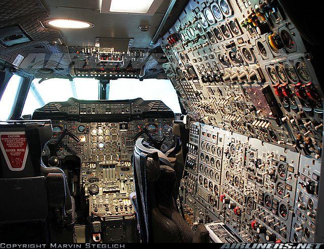 Cockpit of British Airways - Aerospatiale BAC Concorde 102