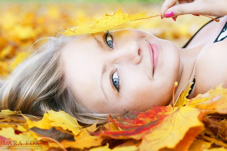 Minx | blonde, smile, leaves, stare