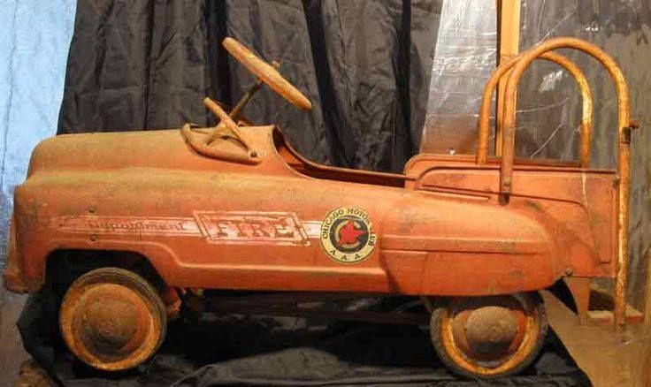 vintage fire dept pedal truck. sweet.emoticon ‪#‎firedepartment‬‪#‎firedepartmentgloves‬ ‪#‎firedepartmentbelts‬ ‪#‎firedepartmentlogo‬‪#‎firedepartmentjewelry‬ ‪#‎firedepartmentcharm‬ ‪#‎firedepartmenttoys‬