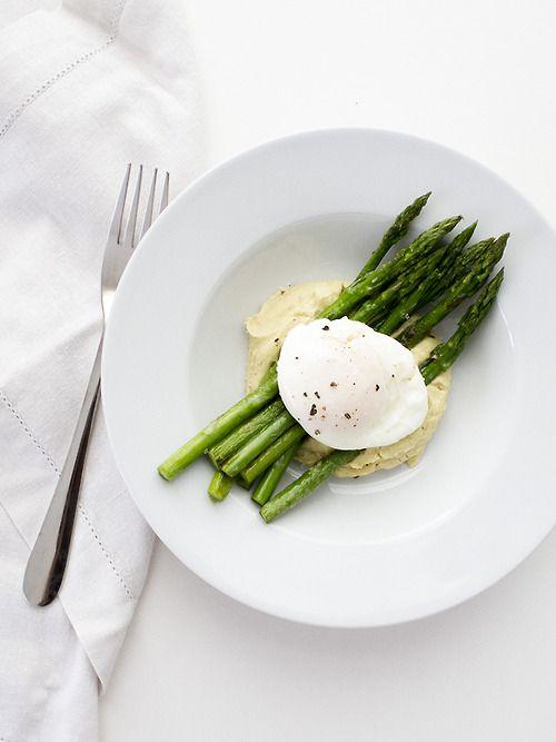 Homemade hummus, poached egg and asparagus