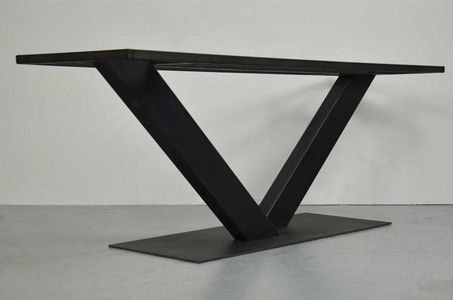 Stahl-Mittelfuss-Tischgestell-in-V-Form