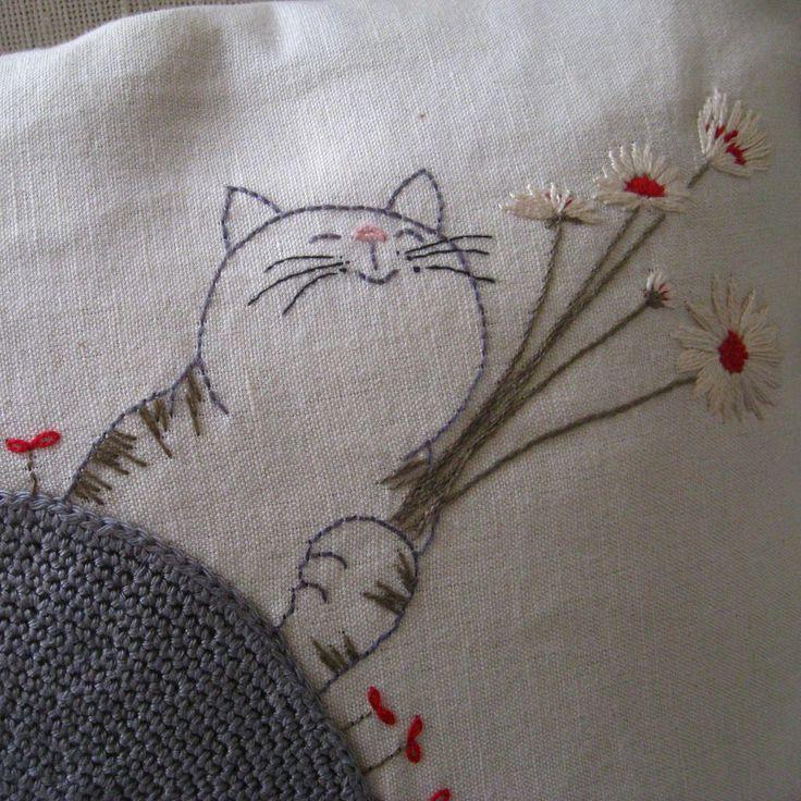 kitty                                                                                                                                                      Más