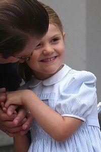 Princess Estelle with her dad, Prince Daniel.