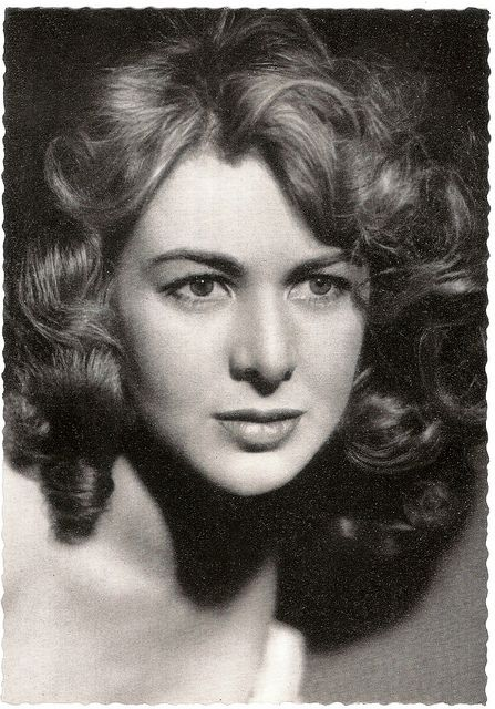 Voluptuous, visually stunning Italian film actress Eleonora Rossi Drago (1925–2007) played princesses and temptresses throughout Italian cinema of the 1950´s and 1960´s. She never found the international cross-over fame destined for Sophia Loren and Gina Lollobrigida, but she earned respect as a fine actress playing leading roles in films by famous directors like Michelangelo Antonioni, Luigi Comencini and Valerio Zurlini.