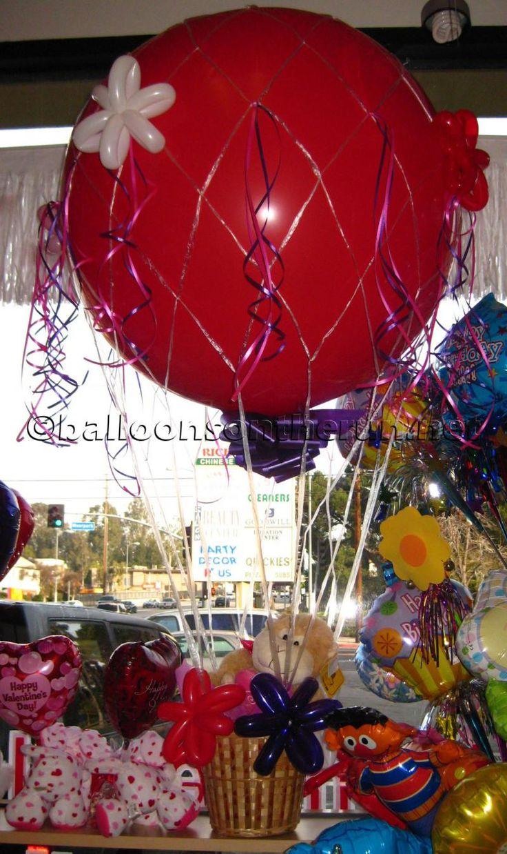 Hot air balloon basket hot air balloon birthday party for Balloon decoration birthday party hyderabad