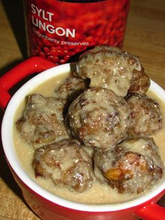 For the Love of Food: IKEA Swedish Meatballs with Gravy - I leave out the nutmeg and add the worchestershire sauce directly into the meat mixture - these are fantastic!