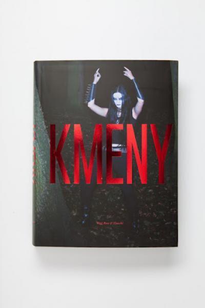 http://www.protisedi.cz/article/sli-byste-si-poslechnout-tvurce-knihy-kmeny