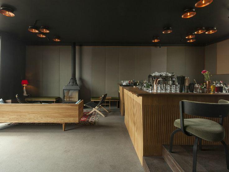 Bar mit Blick über München
