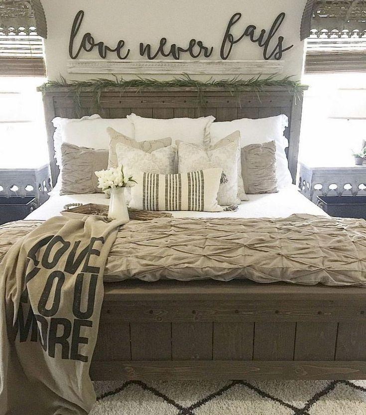 Nice 45 Rustic Master Bedroom Ideas https://rusticroom.co/120/45-rustic-master-bedroom-ideas