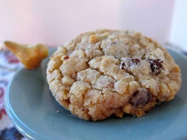 Almond Toffee Chocolate Chip Cookies | Cookies | Pinterest
