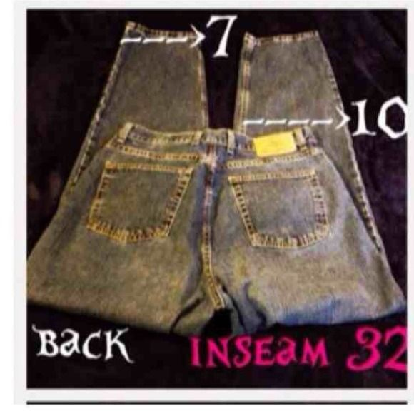 Eddie Bauer Women Jeans Denim 14 tall. Button fly Eddie Bauer 14 tall. Button fly. The knee measure 10-12 inches and the lower of the leg measures 7 inches. This is a heavy denim very warm for winter. Last picture shows the best color.                                                                     ✅Bundle Discount.                                       ✅Fast shipping.                                                     🚫Trades Eddie Bauer Jeans