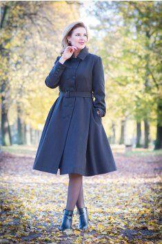 Na zakázku šitý retro kabát střih podtrhující postavu vypasovaný v pase 3/4 kolová sukně dvouřadé zapínání přídavný kožešinový límec