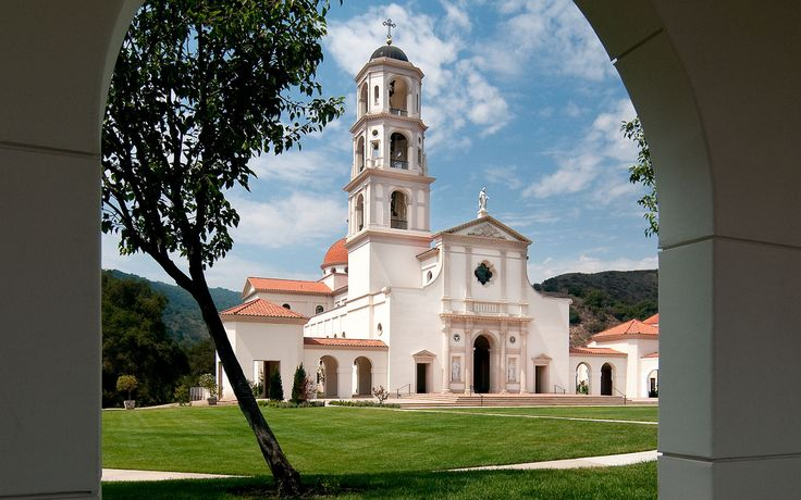 Duncan G. Stroik; Our Lady of the Most Holy Trinity Chapel at Thomas Aquinas College (New Construction); Santa Paula, California, 2009.