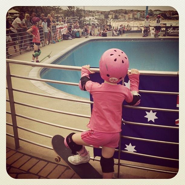 Bondi Skater Girls. #skate #skating #atbondi #bondi #skateboard #sydney #australia #PoppyOlsen #pink