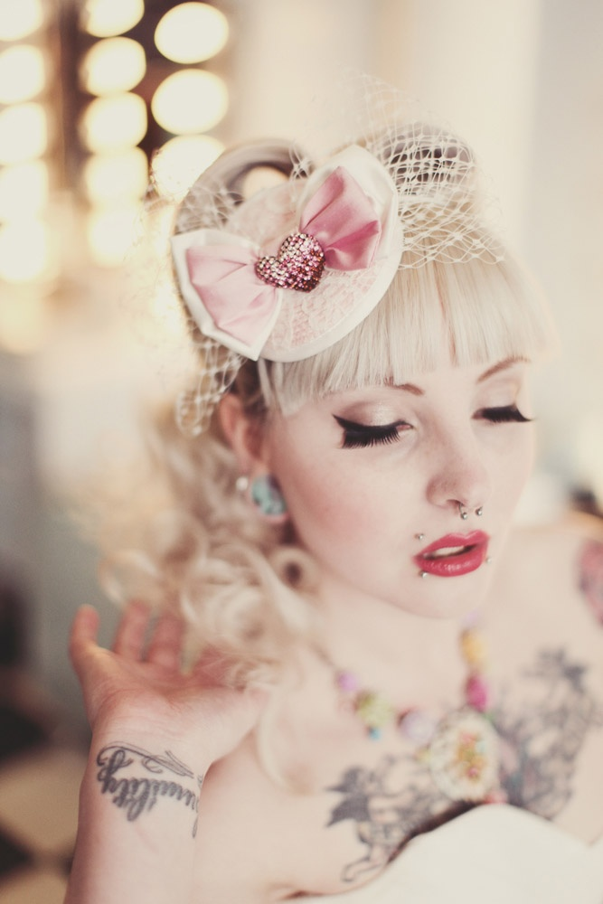 Polka Dots, Ice Cream, Rockabilly Babes. Gorgeous hair & makeup, plus I love that fascinator!