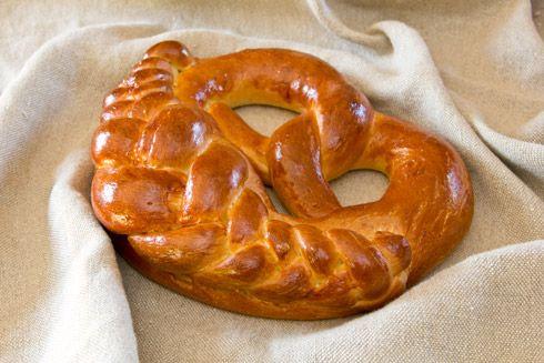 Leserwunsch: Neujahrsbrezel – Plötzblog – Rezepte rund ums Backen von Brot, Brötchen, Kuchen & Co.