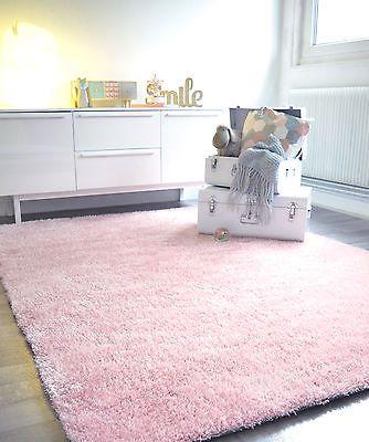 Les 25 meilleures id es de la cat gorie chambres rose p le for Moquette chambre fille