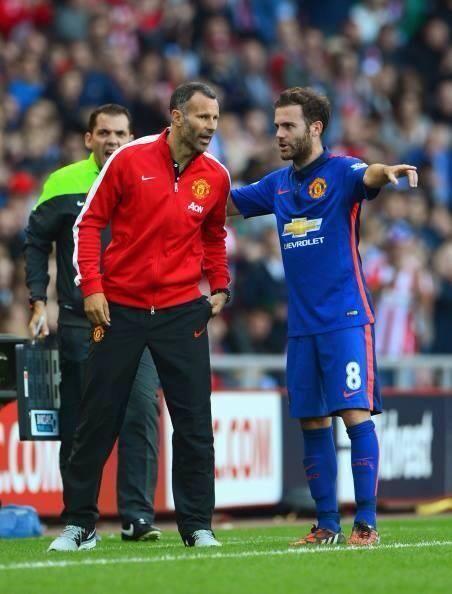 Ryan Giggs and Juan Mata l MUFC