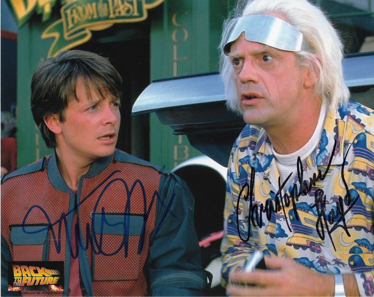 Last year at SVCC, I met Michael J Foxx and Christopher Lloyd and got their autographs on this photo!