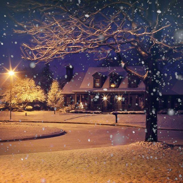 Reméljük mindenkinek boldogan és szeretetteljesen telt a karácsony! 😊🎄🎁 Csak a hó hiányzott, de igyekszünk a fehér karácsony és új év hangulatát ide varázsolni. 😍🎉❄ #karácsony #újév #hó #szeretet | SnapWidget