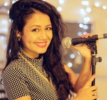 Neha Kakkar Biography-Wiki-Boyfriend-Songs-Profile