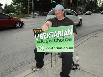 Provincial Election Coverage of the Barrie riding - Libertarian candidate Darren Roskam was at the corner of Bayfield Street and Grove Street doing some last minute campaigning.