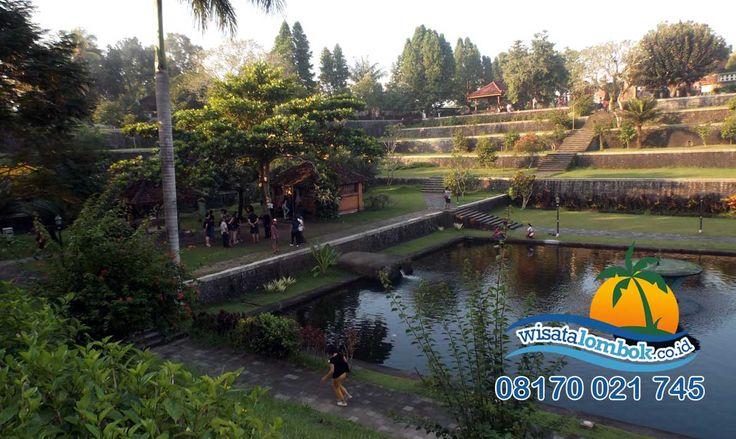 Pagi Guys Yuk Jelajahi Hari- Hari Yang Cerah Di Taman Narmada Lombok    Taman Narmada memiliki pemandangan yang mencuci mata, keindahan dan kesegaran alam di sana pastinya buat anda Terhipnostis smile emoticon Mau Bukti, Yuk kunjungi Di...... . . . http://www.wisatalombok.co.id/info-wisata-lombok/menjelajahi-sejarah-taman-narmada-lombok/