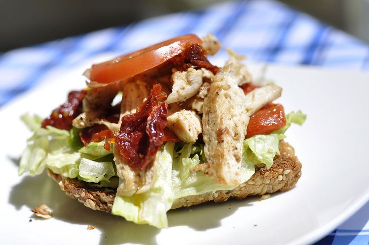Open Faced #Chicken #Sandwich, just put another bread slice on top and you are ready to take it with you for lunch. Check what it has on www.flavourhunting.com #flavourhunting #takeaway