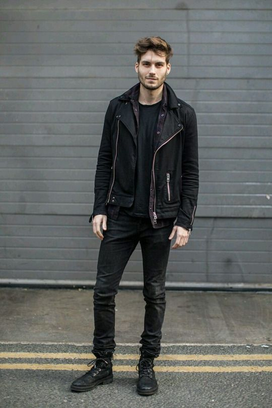 This is an example of how to make an all black outfit look amazing by using